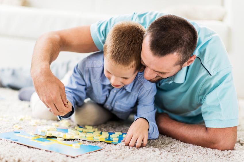 Bequem und robust: Welche Merkmale hat ein guter Kinderteppich?